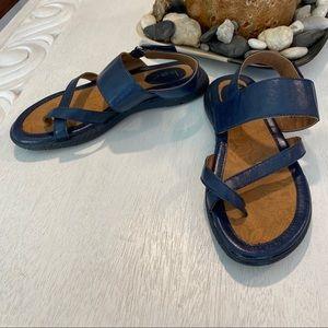 Boc Born Flat Navy Sandals Comfort Cushoned